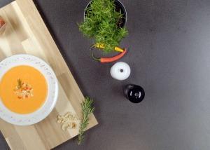 Kalte Paprika-Pfefferoni Suppe